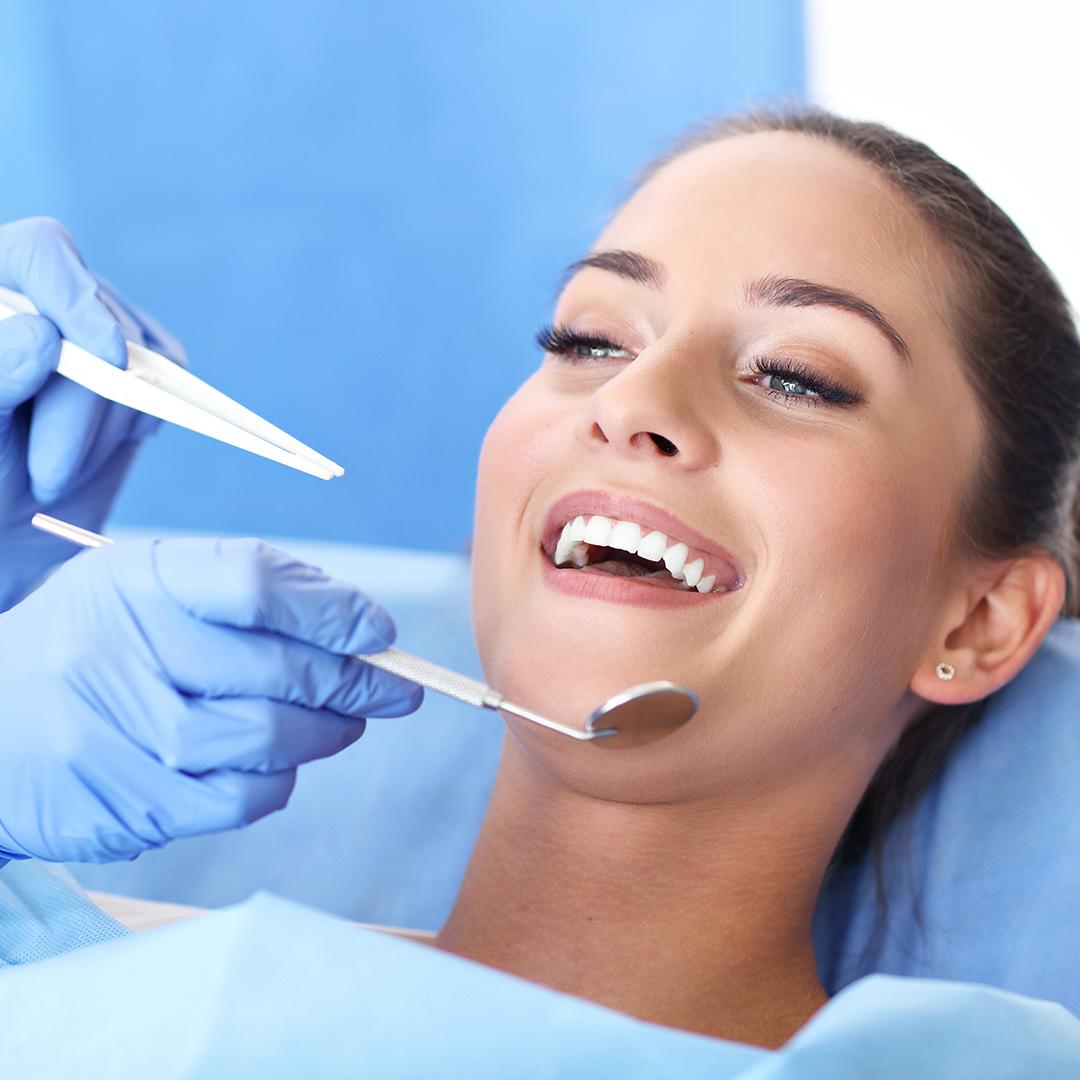 stomatolog-dentysta-ortodonyta-medycyna-estetyczna-gora-kalwaria